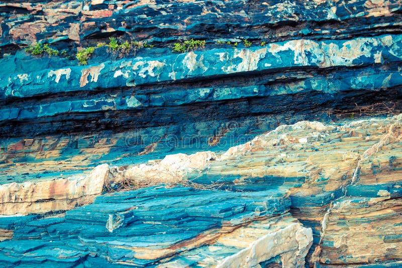 Kolorowe błękitne warstwy skała obrazy royalty free