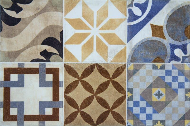 Kolorowe ceramiczne płytki z Portugalia śródziemnomorskim stylem deseniują tło obraz royalty free