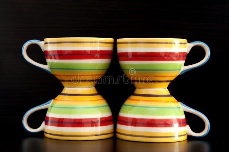 Download Kolorowe Herbaciane Filiżanki Zdjęcie Stock - Obraz złożonej z robić, zaciemnia: 28960108