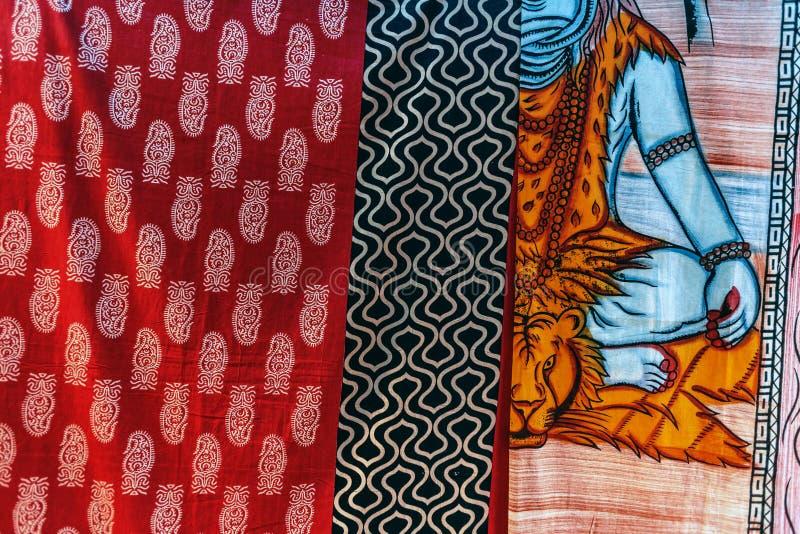 Kolorowe Indiańskie handmade pokrywy z różnymi wzorami i obrazkami obrazy royalty free
