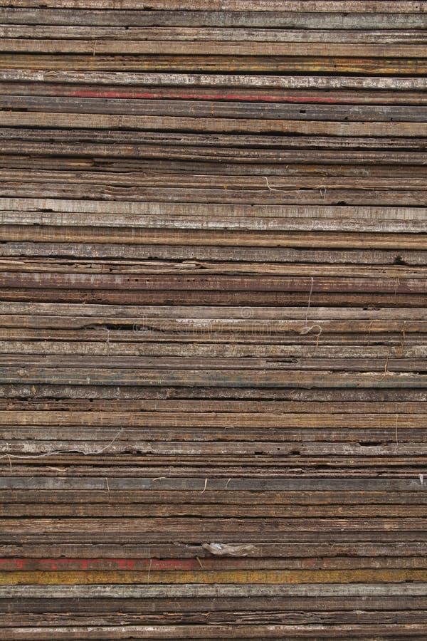 kolorowe kołek zaszaluje drewnianą strukturę zdjęcia stock