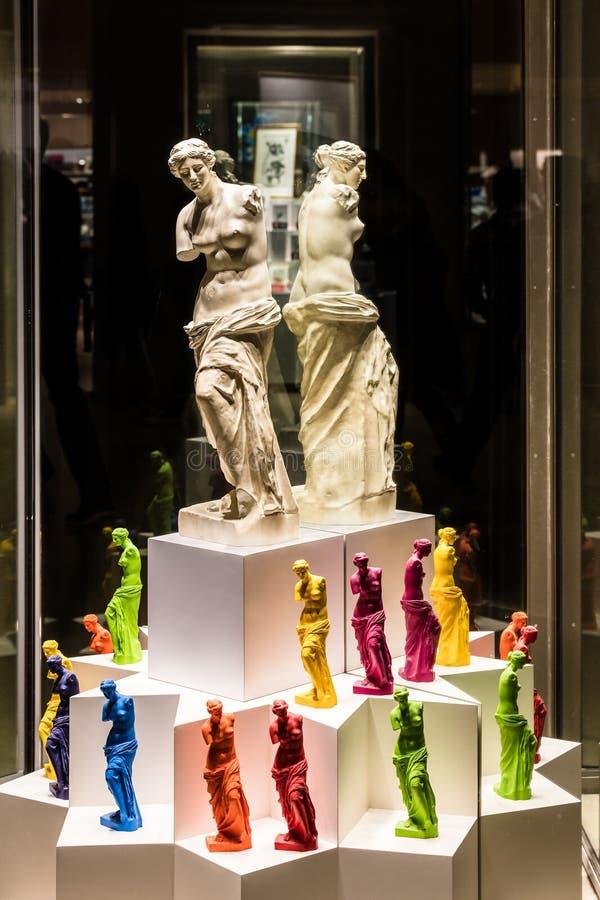 Kolorowe kopie starożytny grek statua Wenus De Milo wewnątrz zdjęcie stock