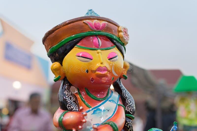 Kolorowe lale robić glina, Chiński mężczyzna, rękodzieła na pokazie obrazy royalty free