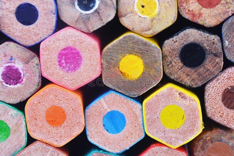 Download Kolorowe ołówki obraz stock. Obraz złożonej z niezrównoważenie - 53783197