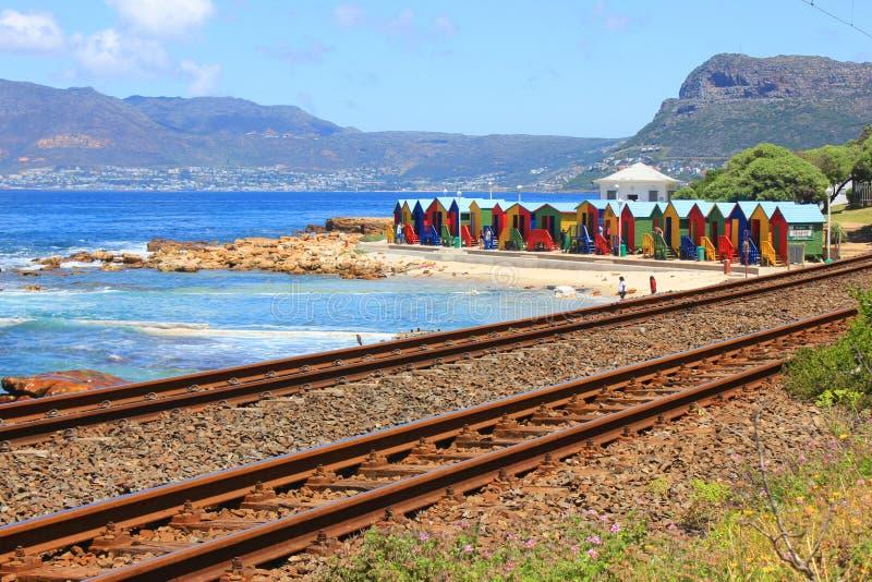 Kolorowe plażowe dokrętki, Muizenberg, Kapsztad, Południowa Afryka obraz royalty free