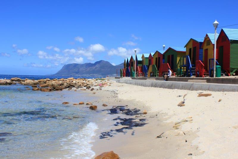 Kolorowe plażowe dokrętki, Muizenberg, Kapsztad, Południowa Afryka zdjęcia royalty free