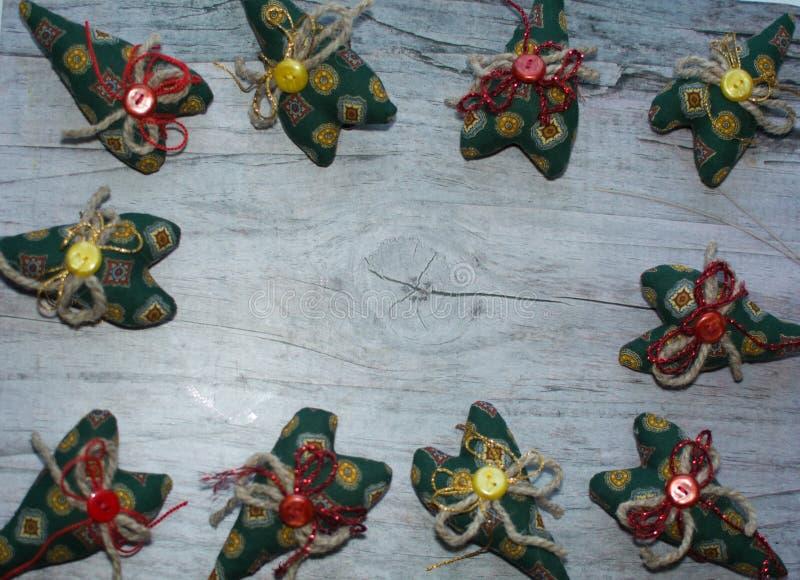 kolorowe tło zielony serce materiał, guziki, arkana zdjęcia stock