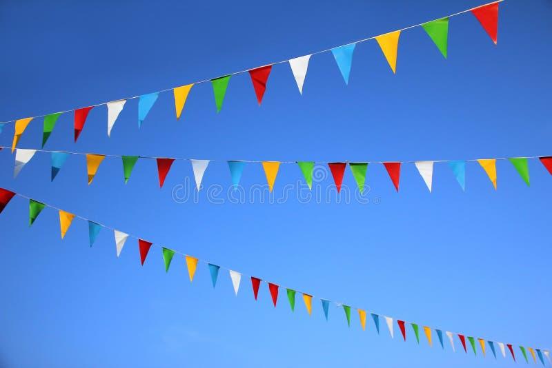 Kolorowe trójgraniaste flaga, karnawałowa dekoracja zdjęcia royalty free