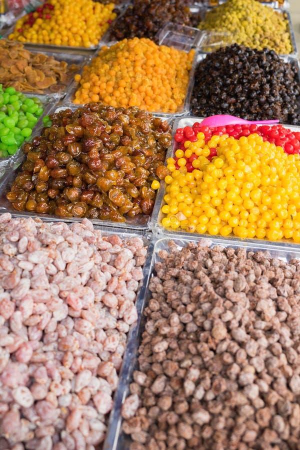 Kolorowe wysuszone solone lub osłodzone Azjatyckie tropikalne owoc zdjęcie royalty free