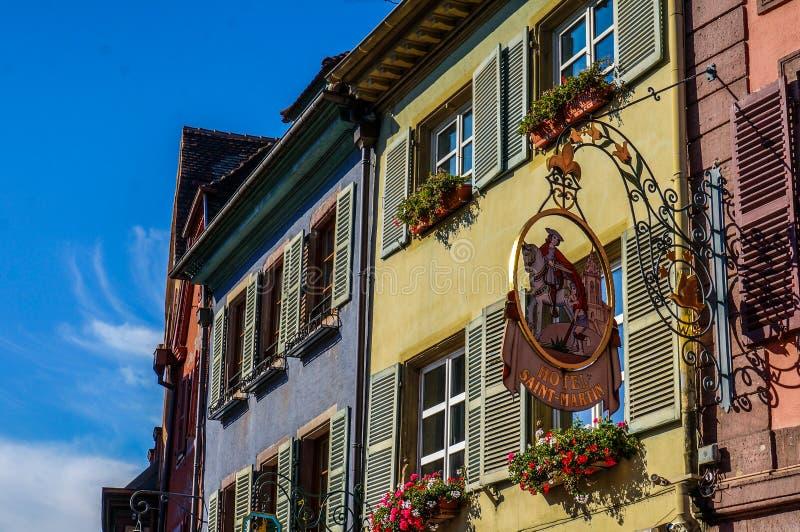 Kolorowi budynki w Colmar, Francja fotografia royalty free