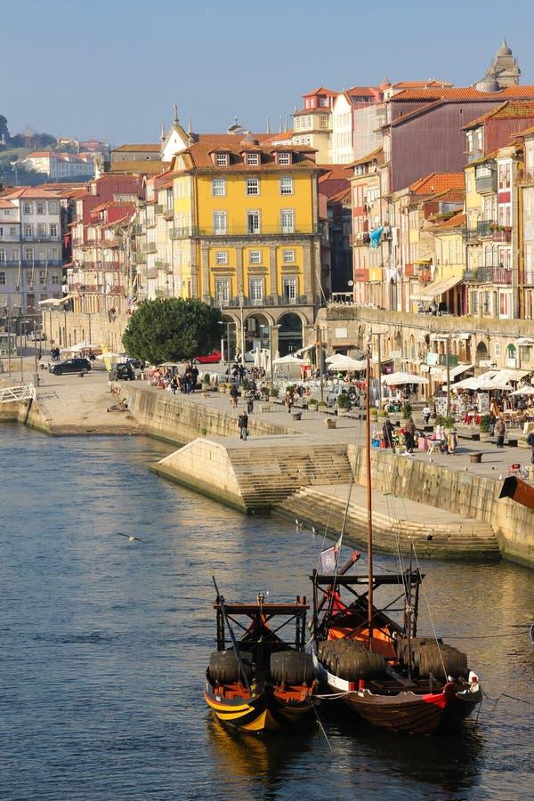 Kolorowi budynki w starym miasteczku. Porto. Portugalia obrazy royalty free