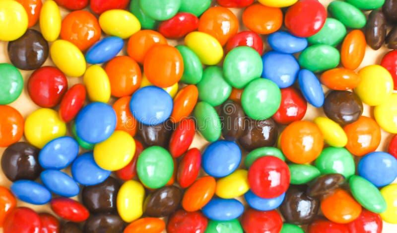 Kolorowi czekoladowi guziki zamkni?ci w g zdjęcia stock