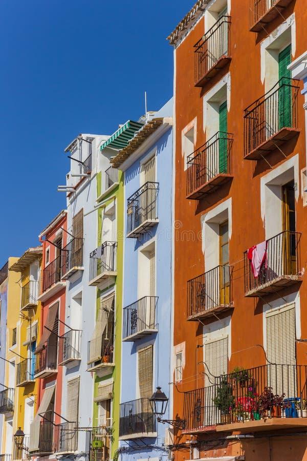 Kolorowi domy przy bulwarem Villajoyosa obraz royalty free