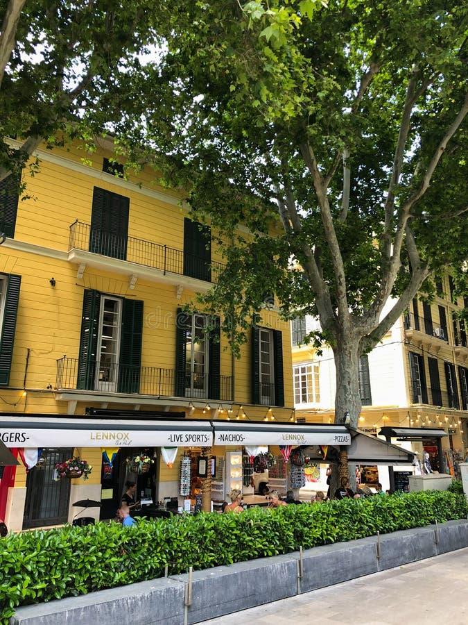 Kolorowi domy w śródziemnomorskim starym miasteczku Palma, Hiszpania Majorca, Balearic wyspy zdjęcia royalty free
