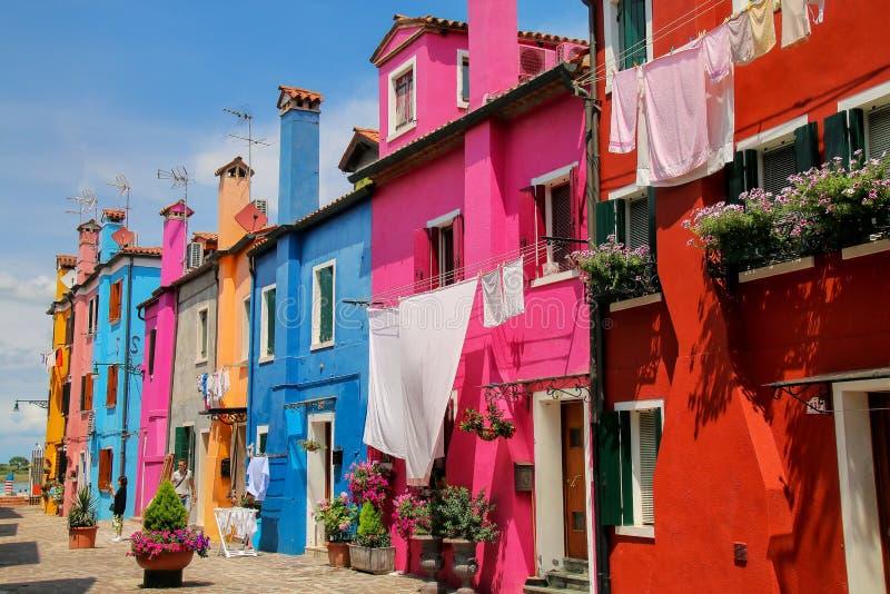 Kolorowi domy w Burano, Wenecja, Włochy obrazy royalty free