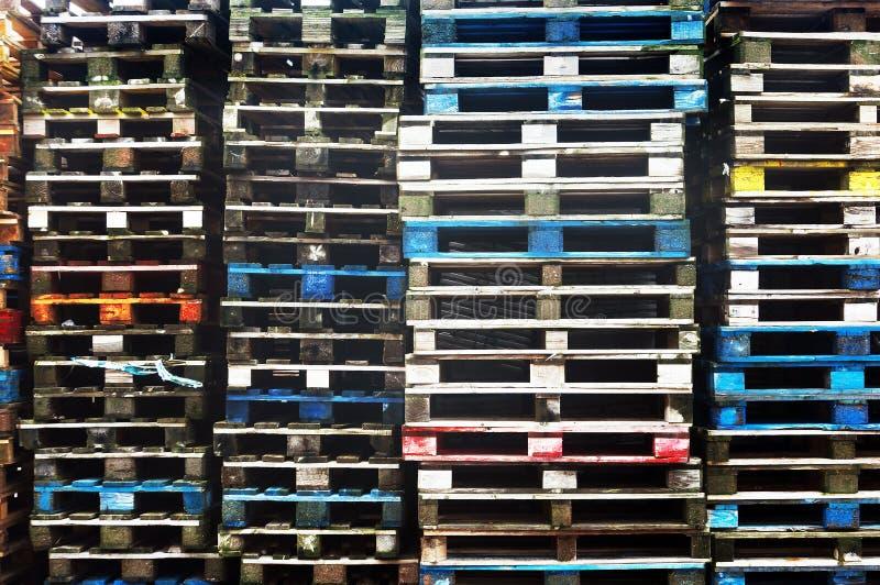 Kolorowi drewniani ładunków barłogi zdjęcia royalty free