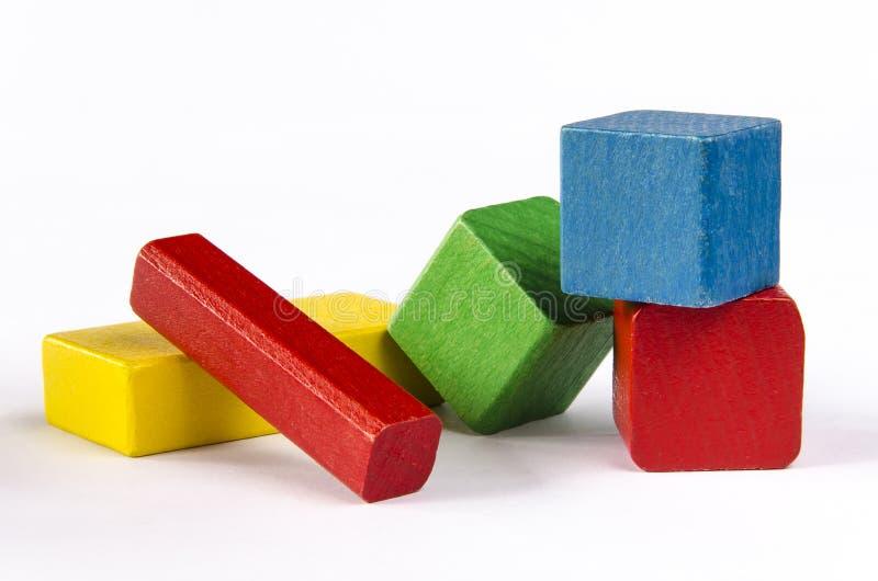 Kolorowi drewniani bloki odizolowywający na białym tle zdjęcie royalty free