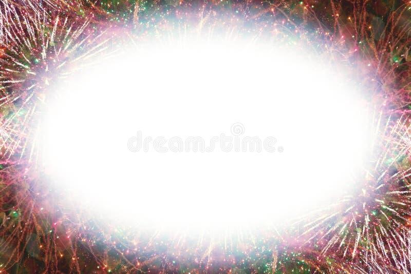 Kolorowi fajerwerki z białą owalną jarzy się krawędzi kopii przestrzenią obraz royalty free