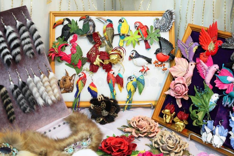 Kolorowi handmade ornamenty, ptaki i kwiaty, zdjęcie royalty free