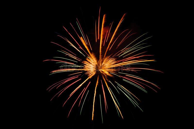 Kolorowi i jaskrawi fajerwerki w lato festiwalu zdjęcie stock