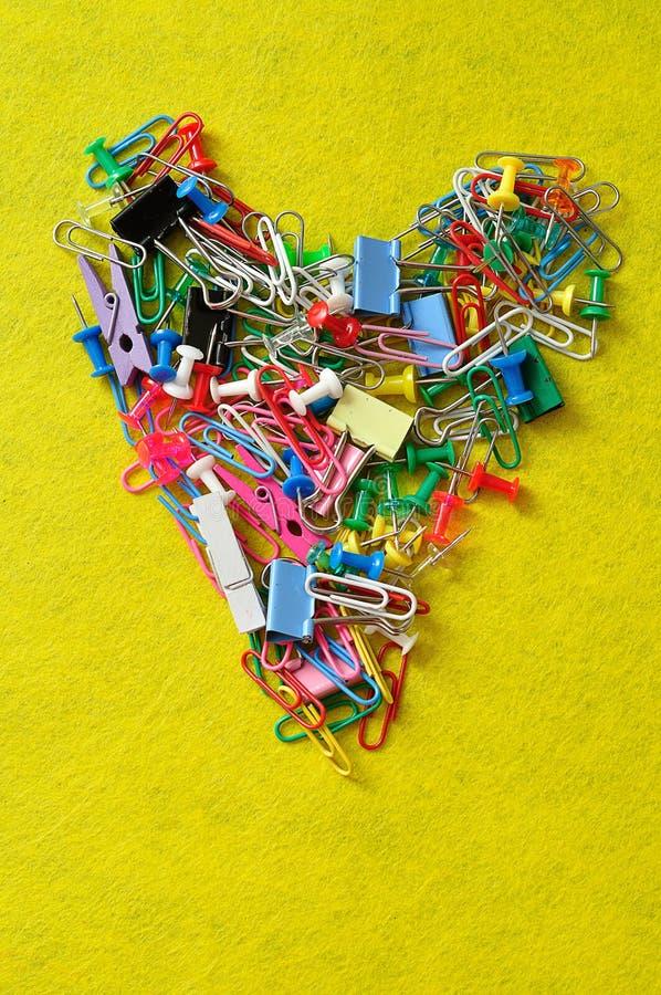 Kolorowi paperclips, składa klamerki, pchają szpilki i czopy obraz stock