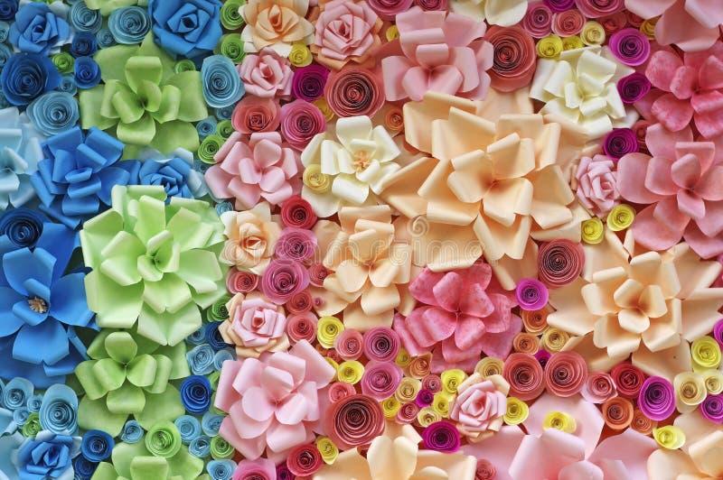 Kolorowi papierowi kwiaty zdjęcia royalty free