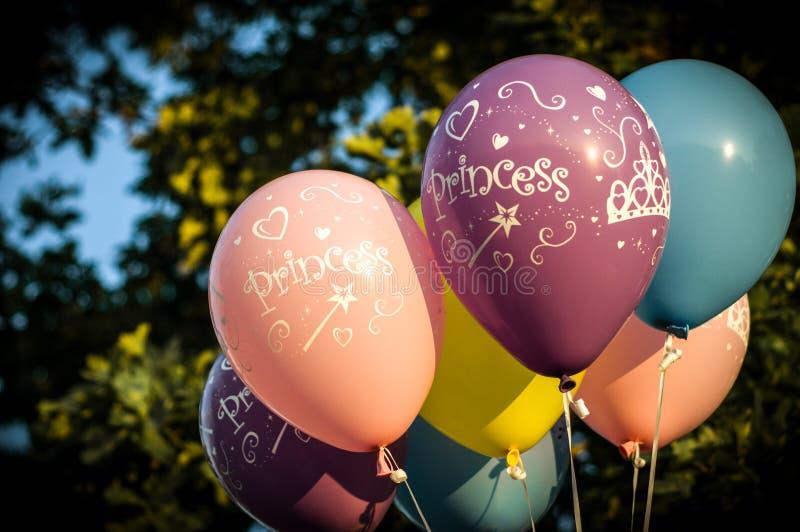 Kolorowi princess balony zdjęcia royalty free