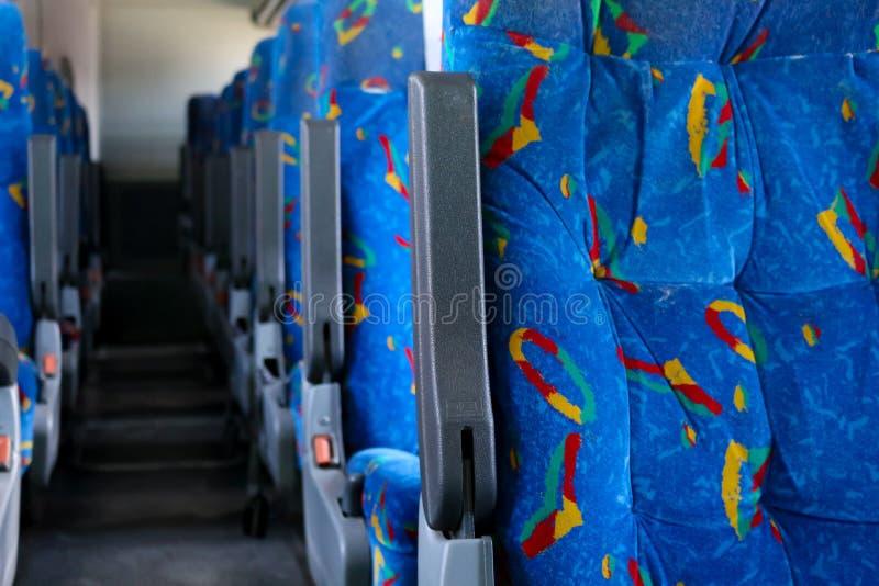 Kolorowi siedzenia w Meksykańskim autobusie fotografia royalty free