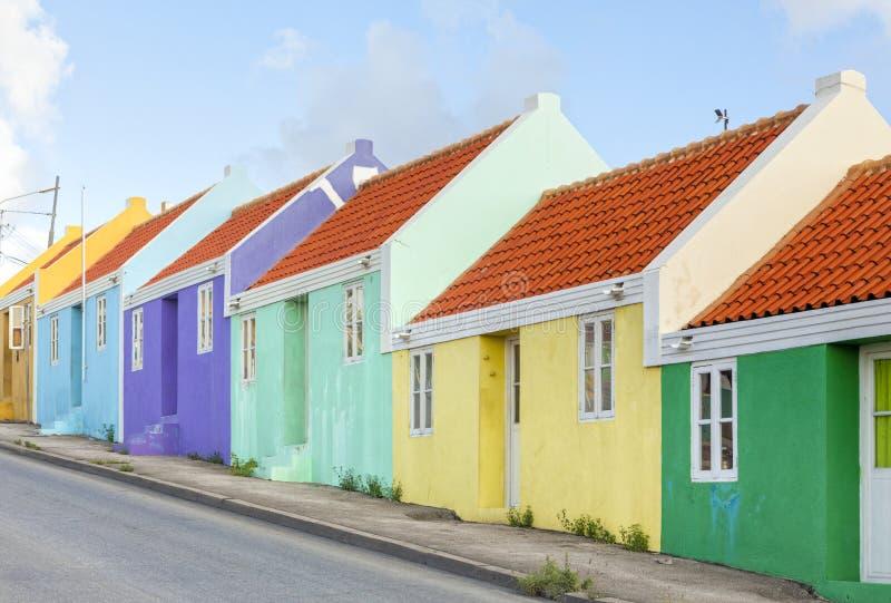 Kolorowi tarasów domy przy Willemstad, Curacao fotografia royalty free