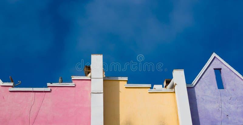 Kolorowy, bieg puszka Snata Monica plażowi domy zdjęcie royalty free