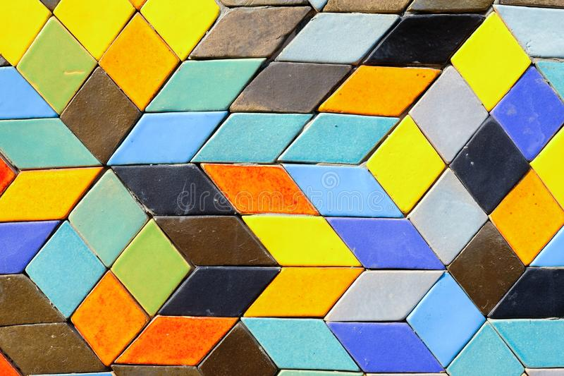 Kolorowy ceramiczny na ścianie dla tła obraz royalty free