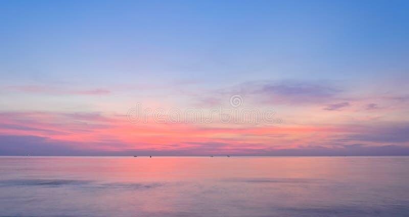 Kolorowy denny wschód słońca fotografia stock