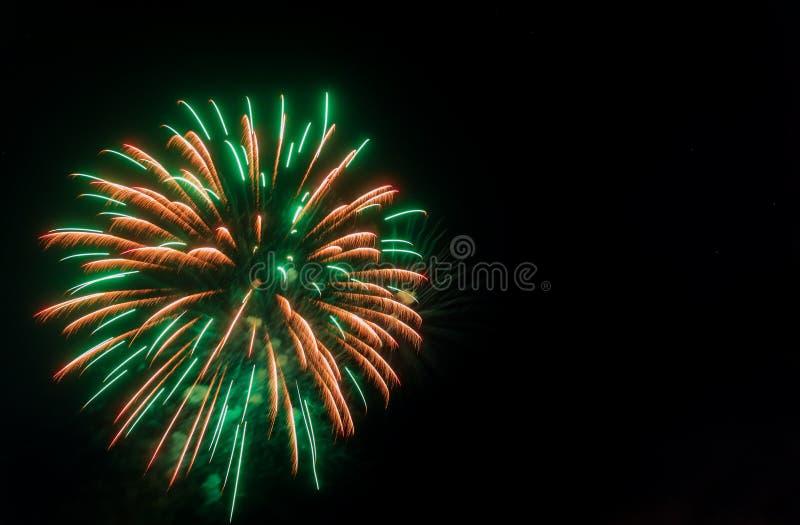 Kolorowy fajerwerk z kopii przestrzeni? dla nowego roku ?wi?towania, Abstrakcjonistyczny wakacyjny t?o fotografia stock