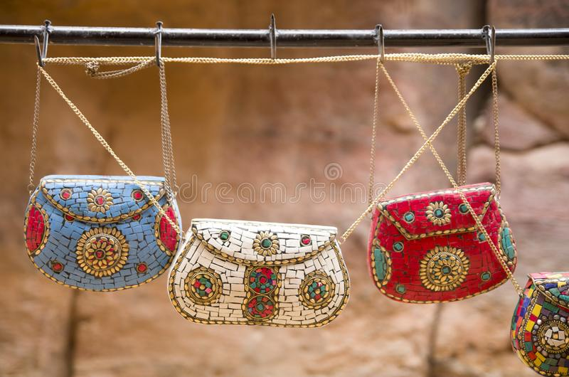 Kolorowy handmade damy torebki Petra, Jordania fotografia royalty free