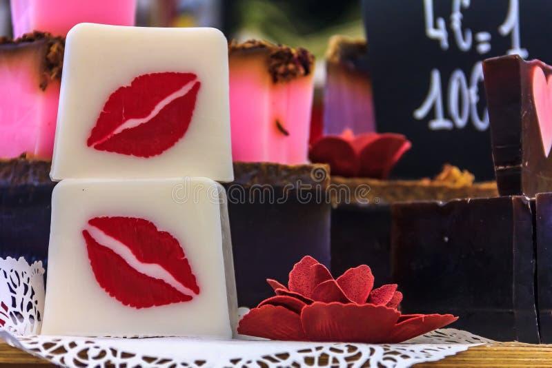 Kolorowy handmade francuza mydło przy rynkiem w średniowiecznym mieście Eze zdjęcie royalty free