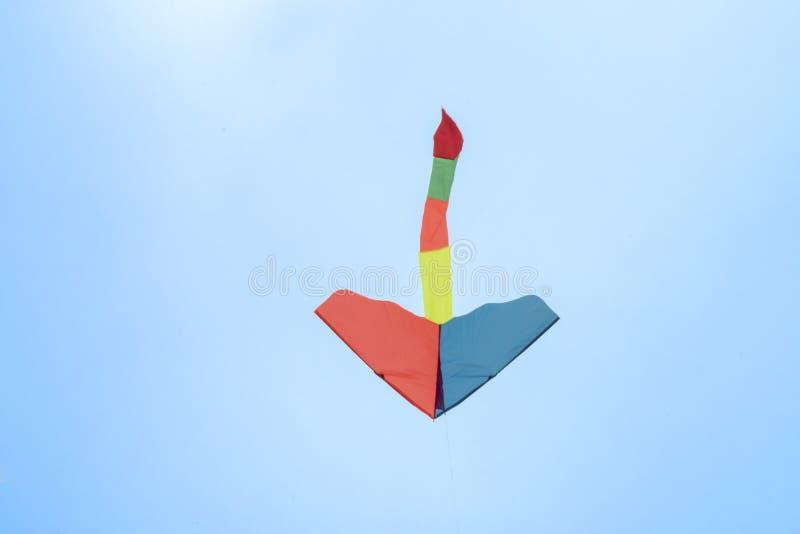 Kolorowy kani latanie w niebie obrazy royalty free