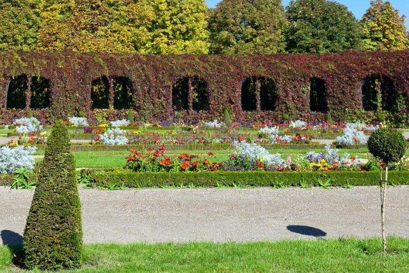 kolorowy kształtujący teren formalny ogród fotografia stock