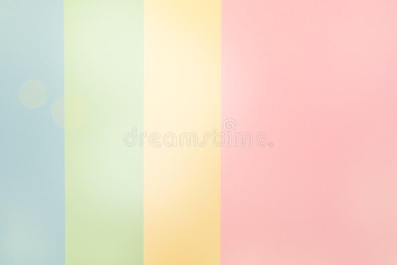 Kolorowy miękkich części menchii zieleni Błękitnego papieru Żółty tło fotografia stock