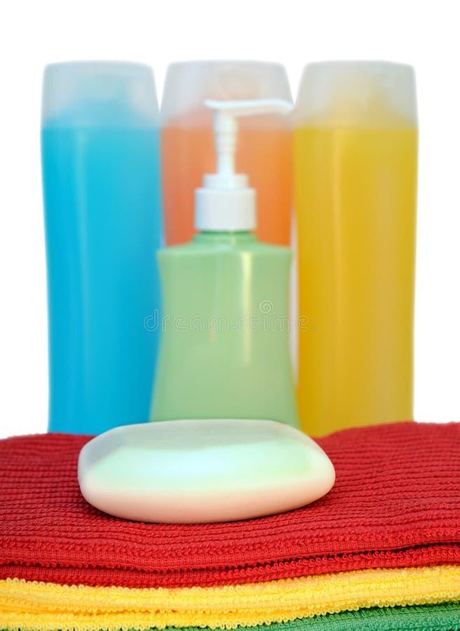 Mydło, szampon i ręcznik, zdjęcia stock