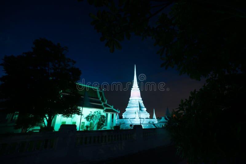 Kolorowy na zmierzchu Phra Samut Chedi pagoda w Tajlandia obraz royalty free