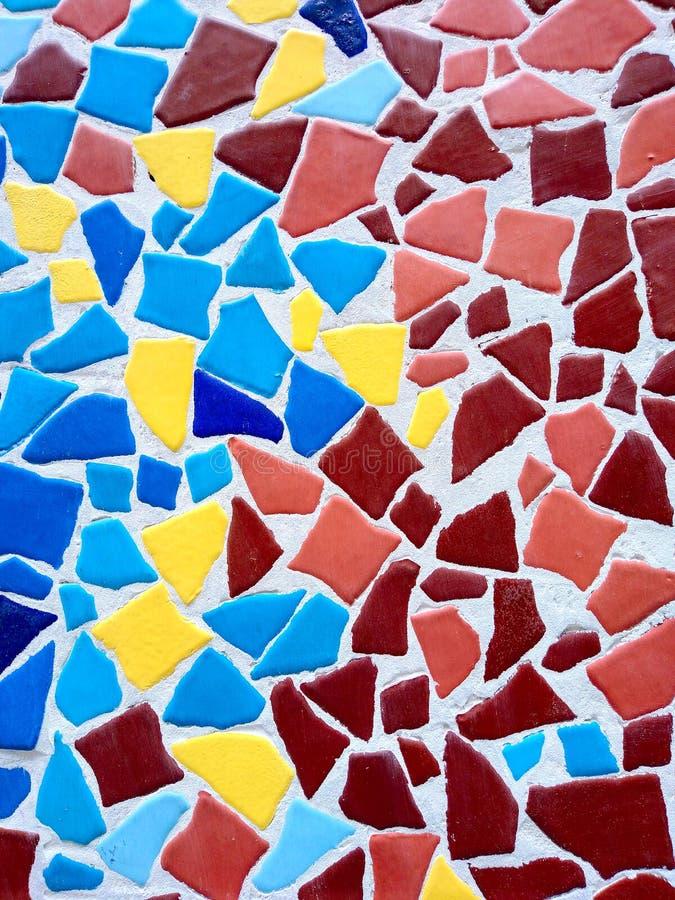 Kolorowy nieregularny geometryczny kamiennej ściany tekstury tło fotografia royalty free