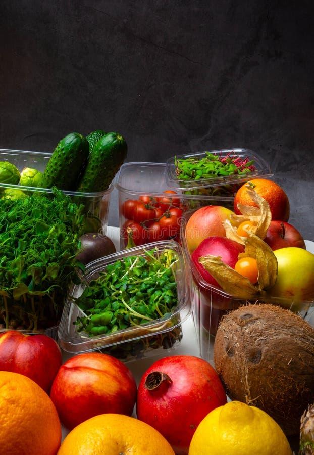 Kolorowy owoc i warzywo tło, bogactwo w witaminach obraz stock