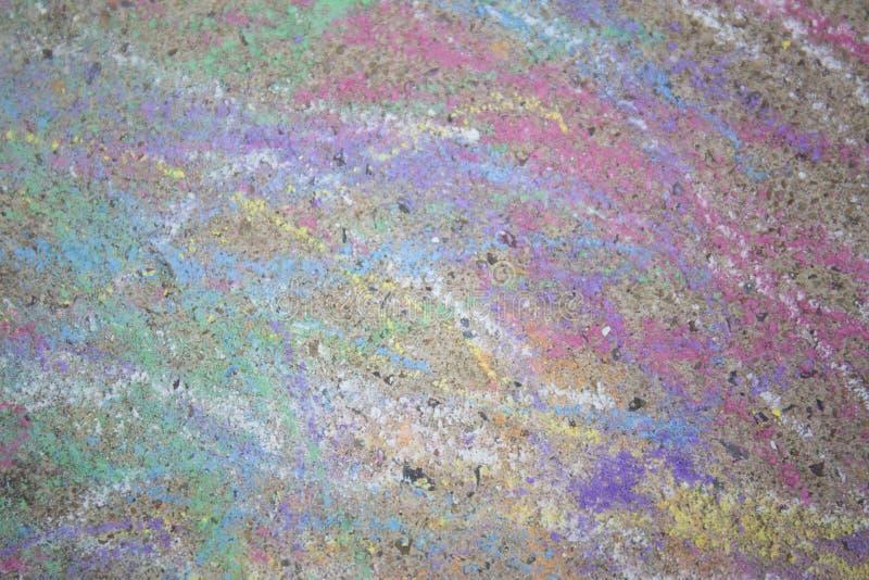 Kolorowy pisze kredą na ulicie obrazy stock
