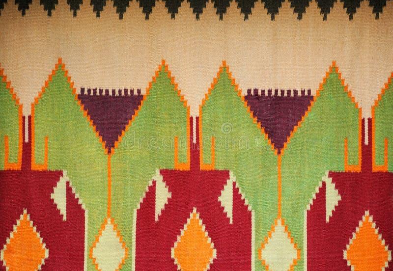 Kolorowy ręcznie robiony pstrobarwny dywanik lub dywan zdjęcie stock
