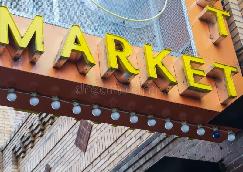 Kolorowy rynku znak zdjęcia stock