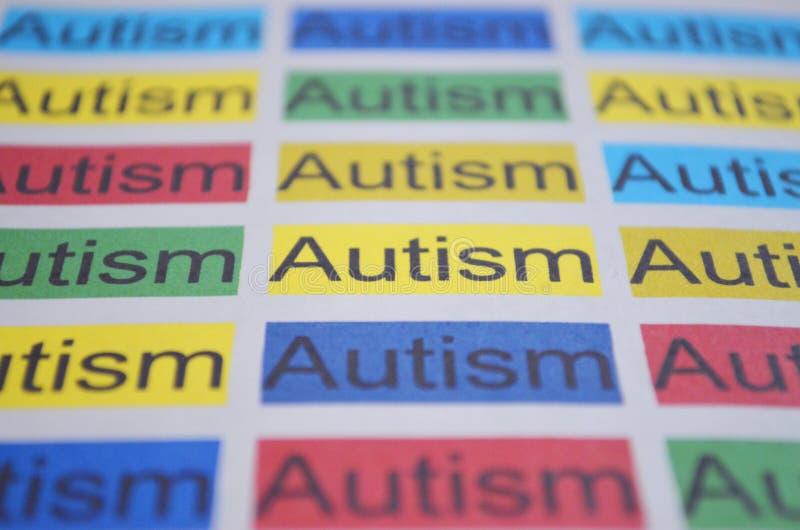 Kolorowy słowo autyzm, zamyka up zdjęcie stock