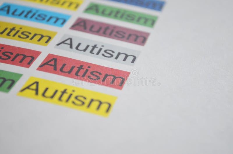Kolorowy słowo autyzm, zamyka up fotografia stock