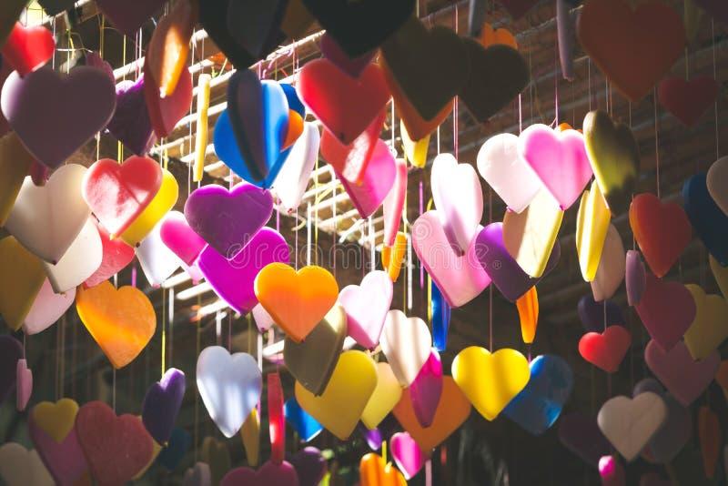Kolorowy serca robić świeczka wzór projektuje obwieszenie od c obraz royalty free