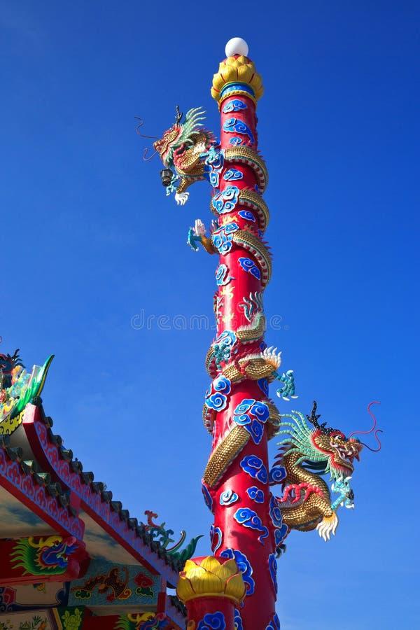 Kolorowy smok w świątyni obraz stock