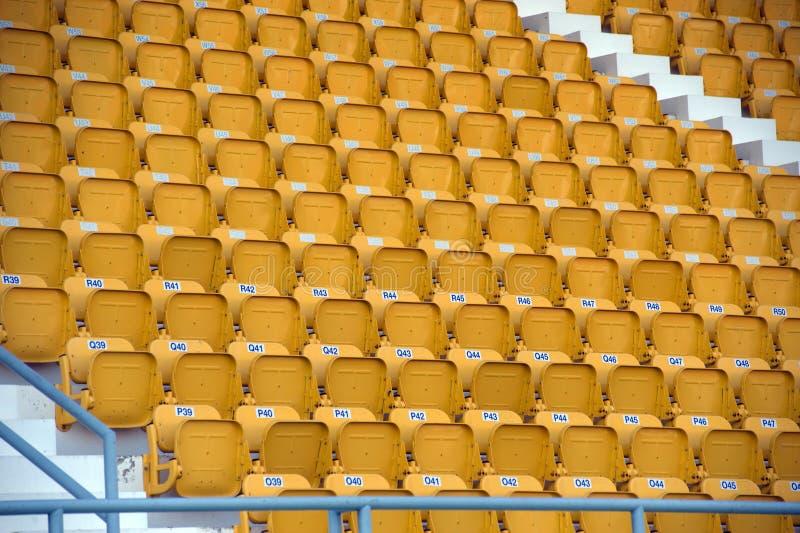 Kolorowy stadiów siedzenia w tle zdjęcie royalty free